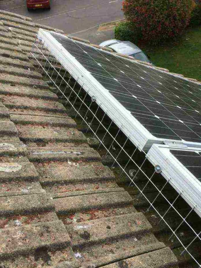 pigeon proofing of solar=panels